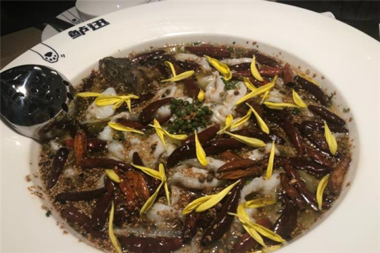 鲈迅酸菜鲈鱼加盟