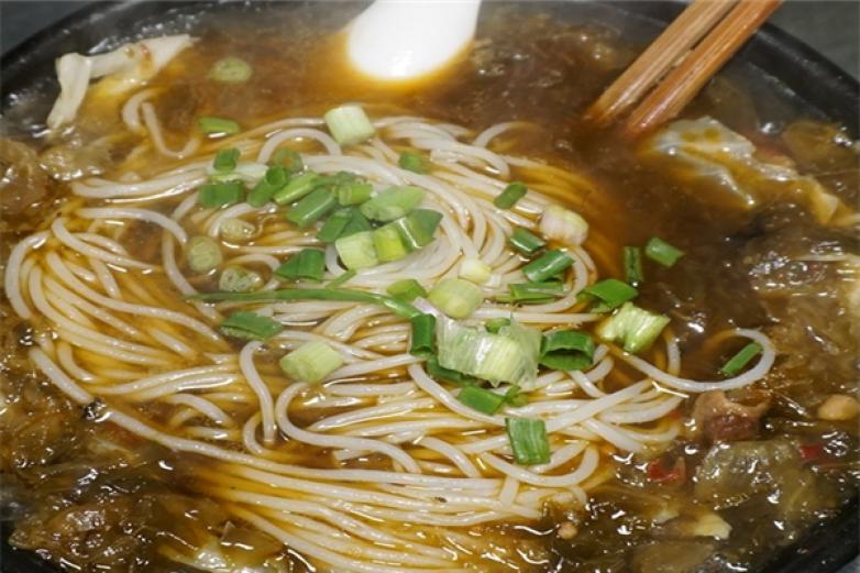 唐胖子砂锅米线加盟
