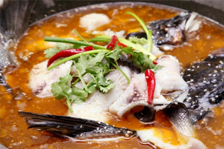 湘川石锅鱼加盟
