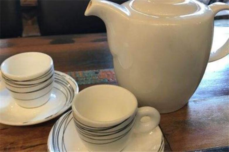 人草木奶茶加盟