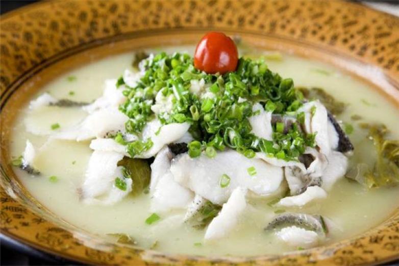 愚小二酸菜鱼米饭加盟