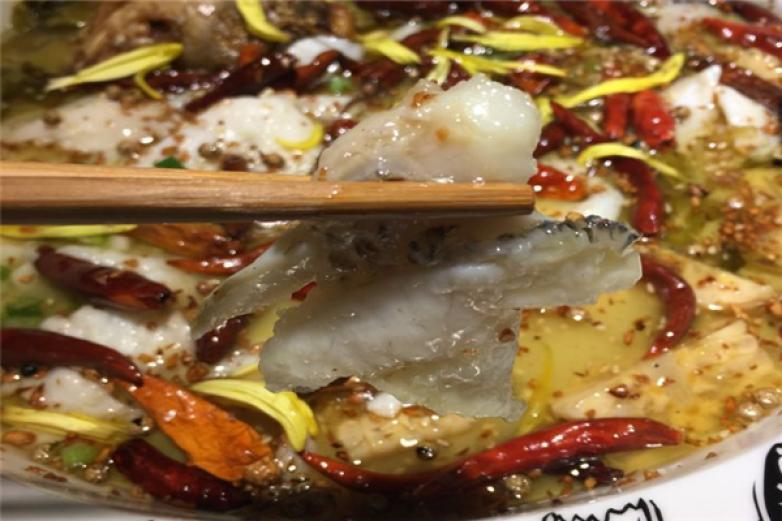 无二老坛子酸菜鱼加盟