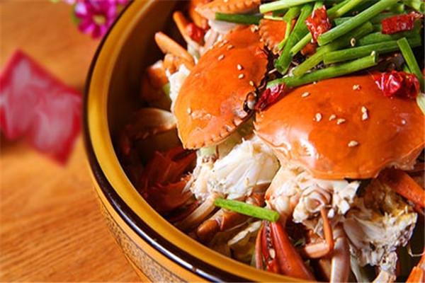 肉蟹煲的味道鲜美