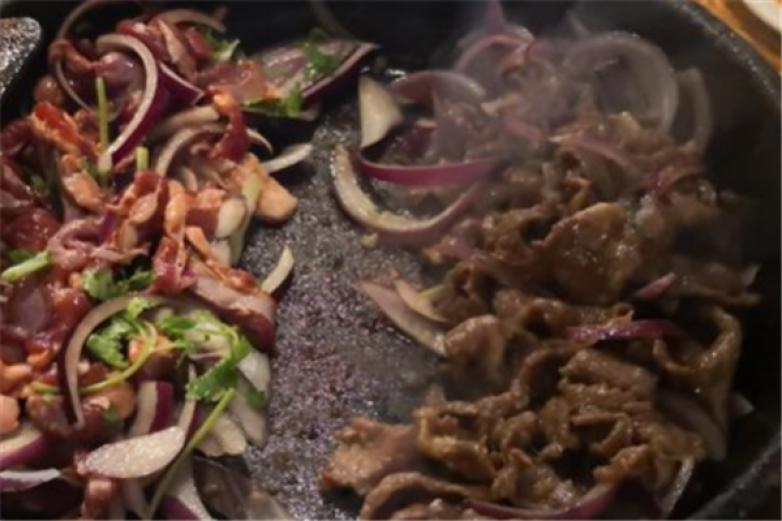 老街坊石锅烤肉加盟