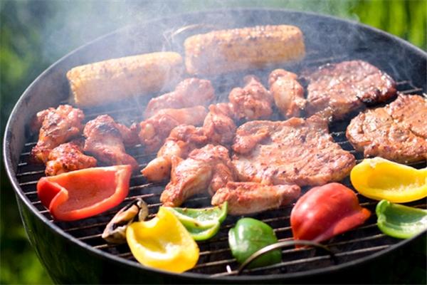 金汉斯烤肉自助加盟多少钱