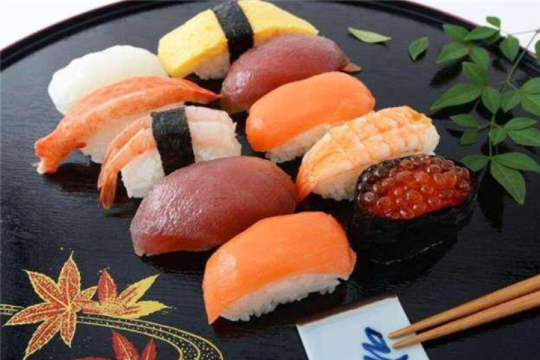 品禾寿司加盟