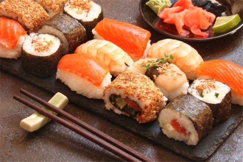 闺蜜吮指寿司加盟