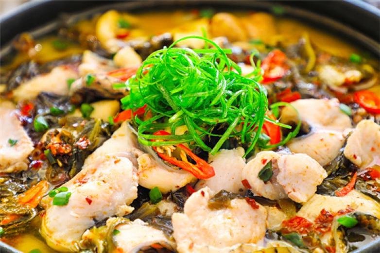 阿六酸菜鱼加盟
