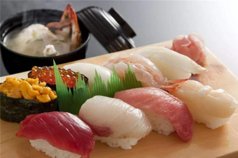 岩江寿司加盟