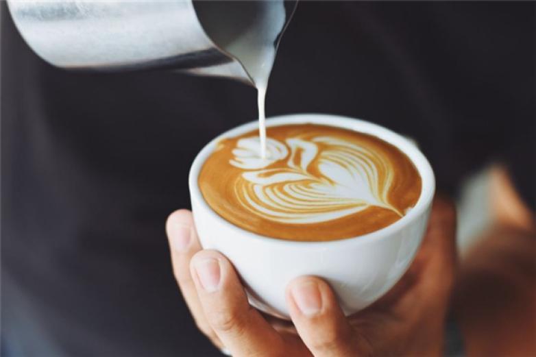 半山咖啡加盟