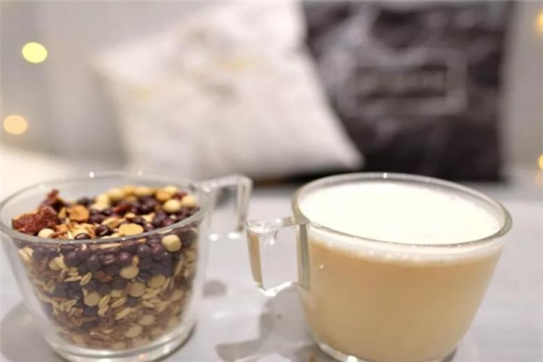 唔咖茶饮饮品加盟