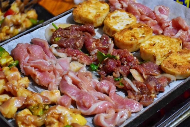 西蒙纸上烤肉加盟
