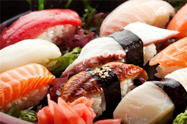 名屋和风寿司加盟