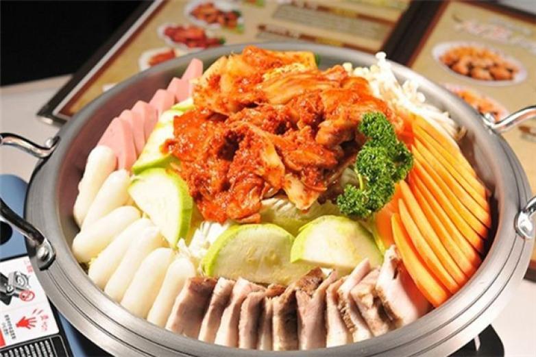 德站琪韩国年糕火锅加盟