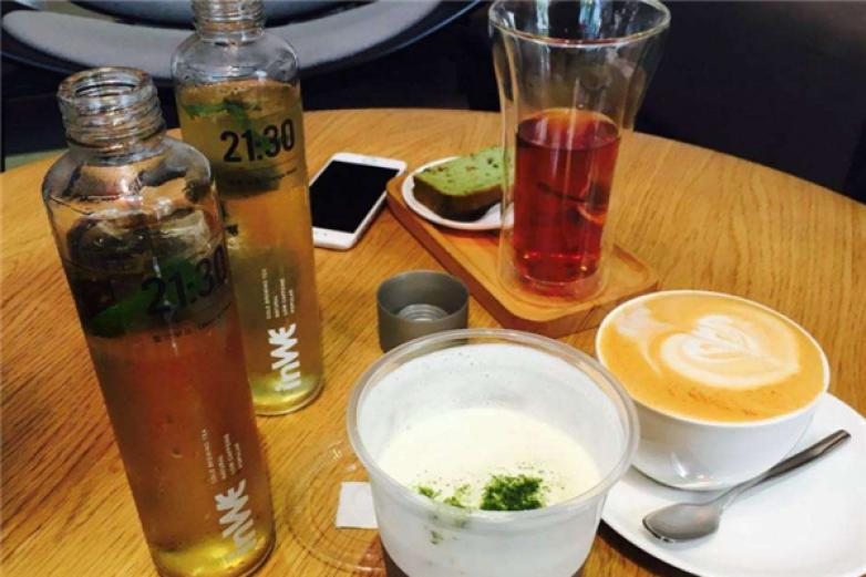 嫩绿茶廊饮品加盟
