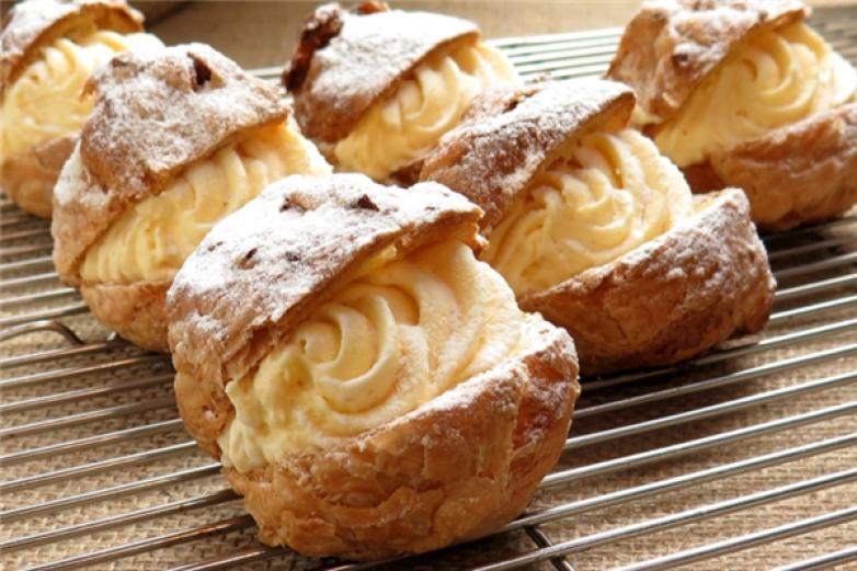 甜蜜工坊甜品加盟