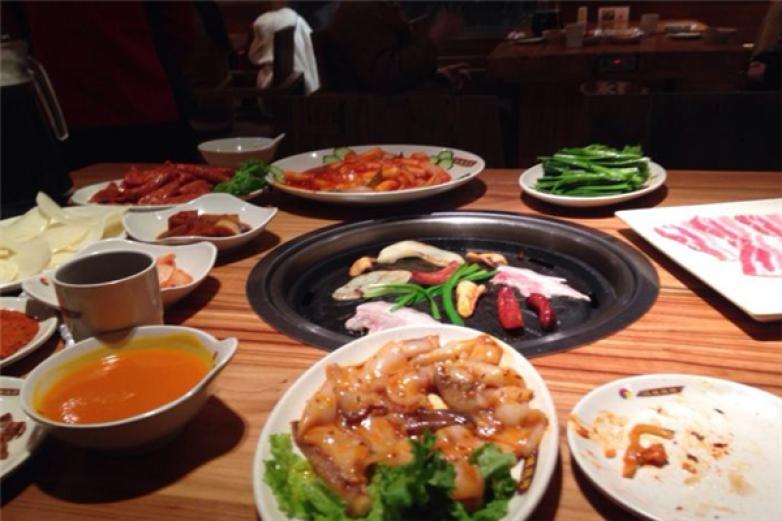 汉城山烧烤加盟