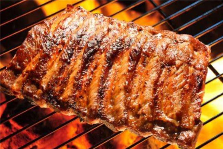 沙龙湾量贩烤肉加盟
