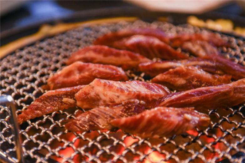 天盈龟锅烤肉加盟