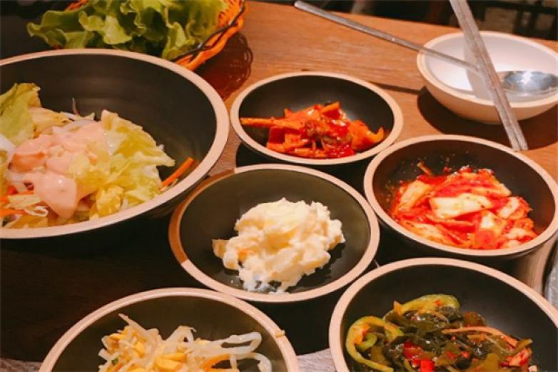 明成缘韩国传统炭火烤肉加盟
