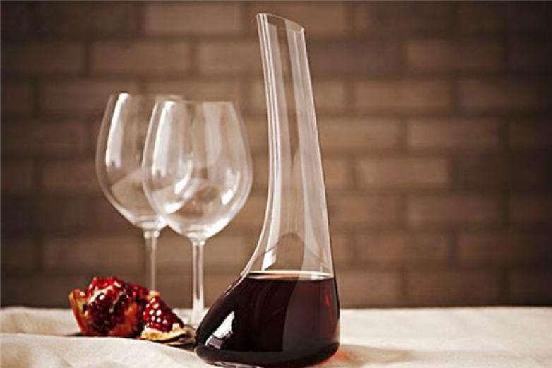 格綿葡萄酒加盟