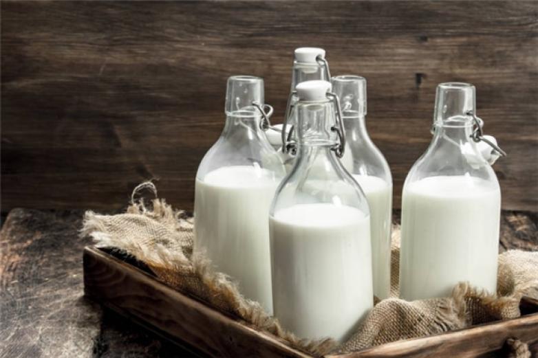 奶白小鲜奶吧加盟