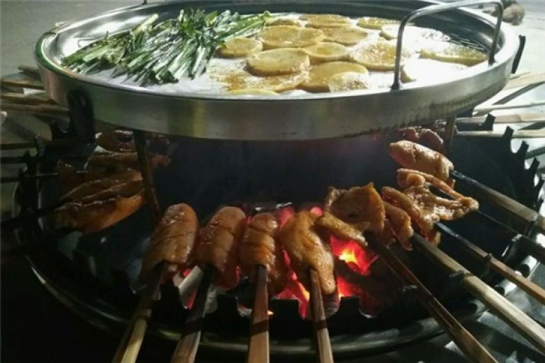 大涼山火盆燒烤加盟