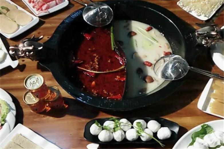 重庆八桌老火锅加盟