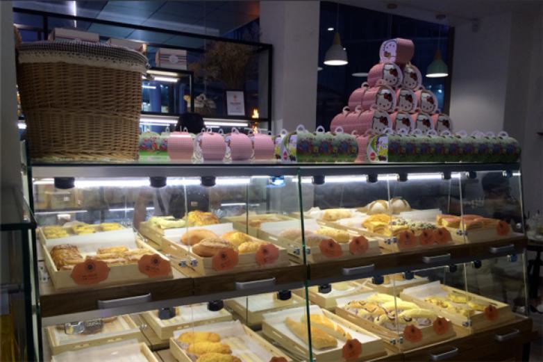 金冠蛋糕店加盟