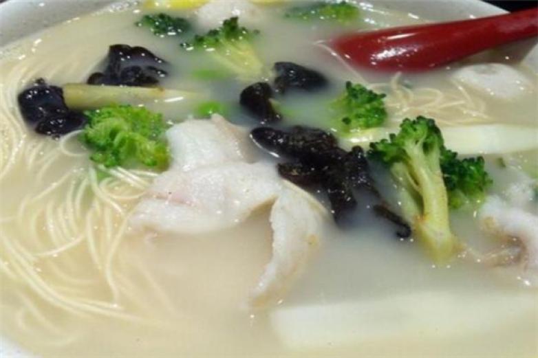 阮小七鱼汤面加盟
