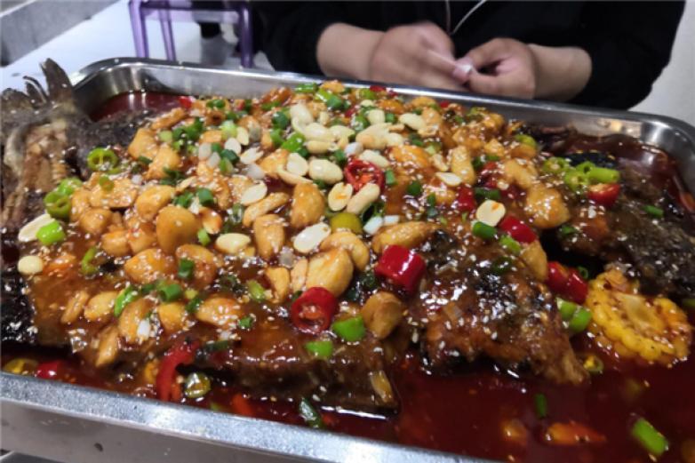 紫渝江南古法烤全鱼加盟